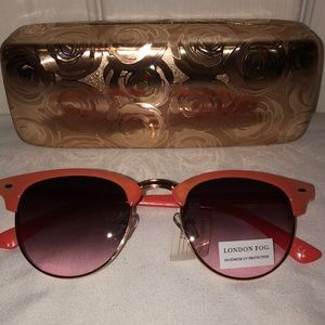 🌹London Fog Sunglasses & Case🌹